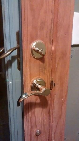 lock01-jpg