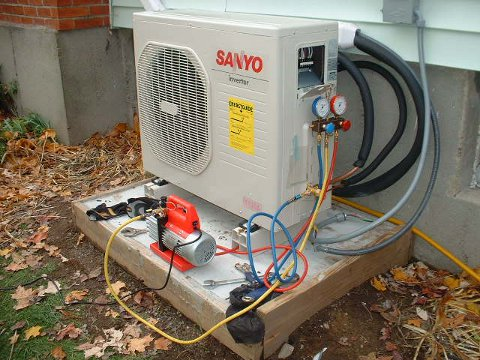 Post image for DIY Sanyo Air Source Heat Pump Install – Pressure Testing & Adding Refrigerant